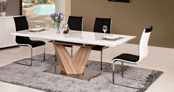 alaras dining set