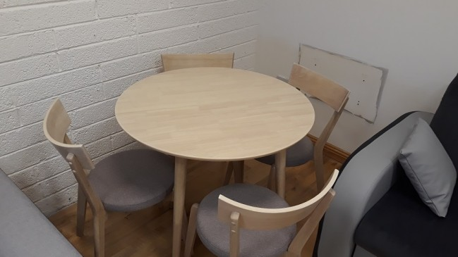 nelson table set
